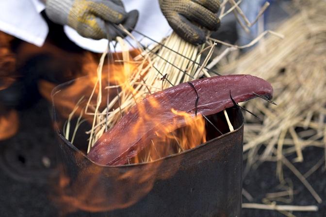 戻り鰹の藁焼き